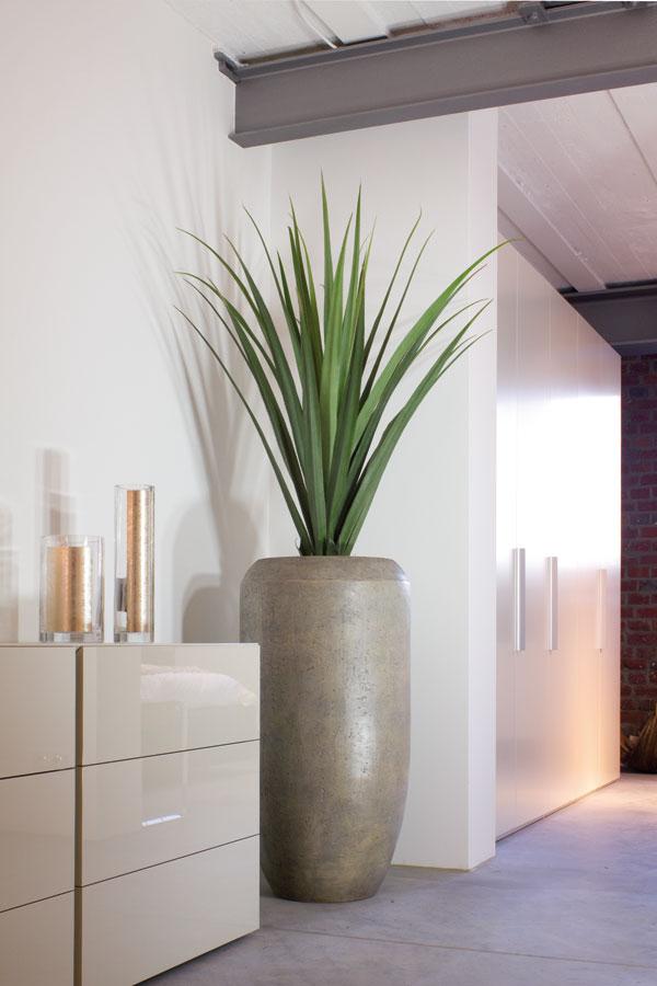 wir bieten ihnen ein gro e auswahl an pflanzgef en und vasen in unserem onlineshop zu g nstigen. Black Bedroom Furniture Sets. Home Design Ideas